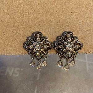Faux women's earrings